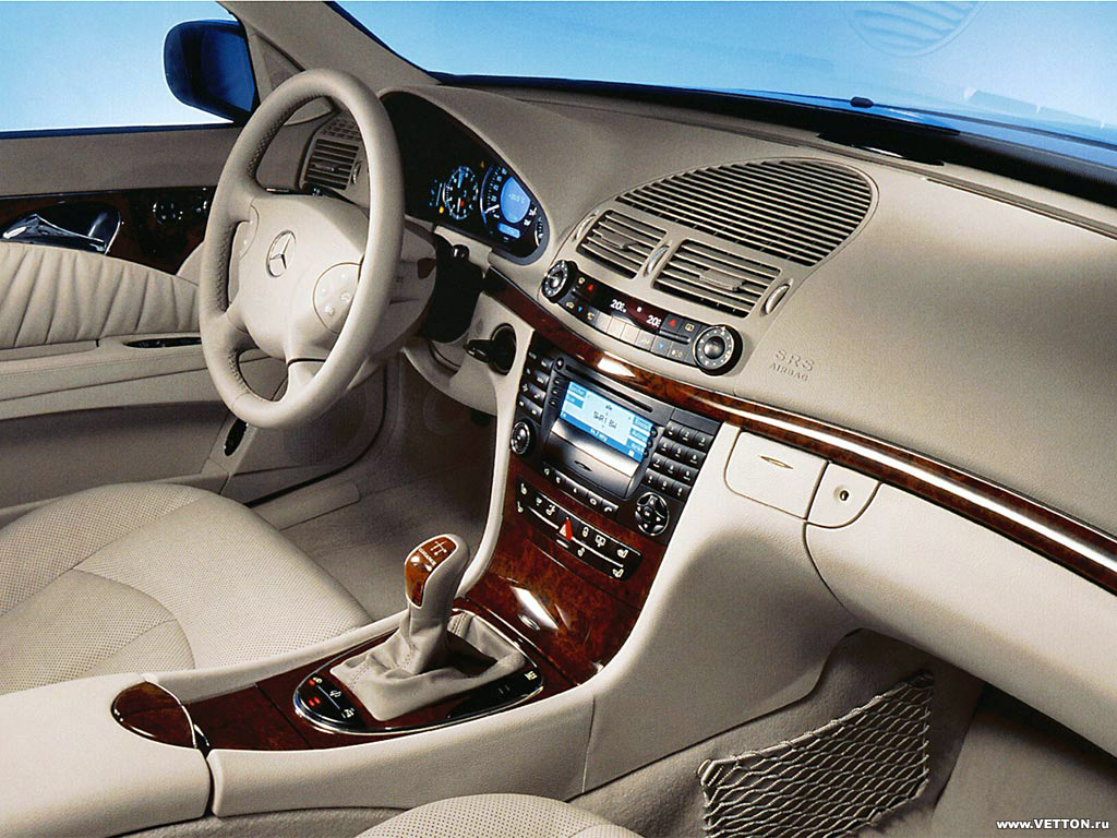 фото Mercedes-Benz E 500 4Ma…