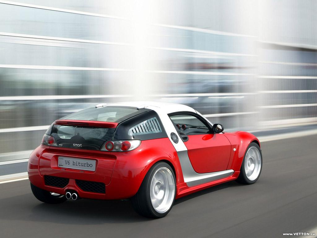 Автомобили Smart Roadster.